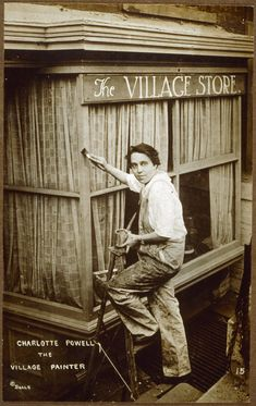 Charlotte Powell, the village painter. Sheridan Square, Greenwich Village, New York City, circa Photograph by Jessie Tarbox Beals. New York Pictures, Old Pictures, Old Photos, Retro Pictures, Harlem Renaissance, Greenwich Village, New York S, New York City, Vintage Photographs