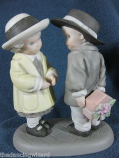 Pretty as A Picture Giving You A Gift from My Heart Figurine Kim Anderson | eBay