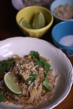 vegetable pad thai - takeout at home! #pasta #thai
