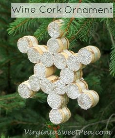 20 Brilliant DIY Wine Cork Craft Projects for Christmas Decoration - wine cork snowflake #crafts, #Christmas