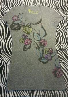 ~ Nollie Women Juniors Gray Rose Flower Tee Shirt Top ~ Size  S ~EUC