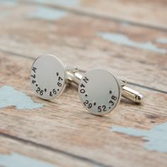 Latitude and Longitude CUFF LINKS, Personalized Location CuffLinks, Coordinates Cuff Links, Wedding Day Gift #BestManGift #GiftsForHim #FathersDay #Personalized #MensGift #GroomsGift #CuffLinksSet #WeddingDayGift #GroomsMenGift #FatherOfTheBride