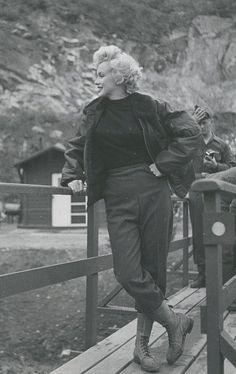 Marilyn Monroe Korea, 1954