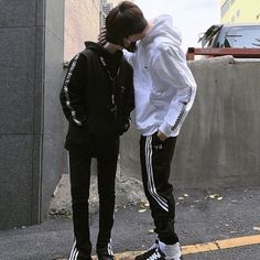 Ulzzang couple ❤ liked on Polyvore featuring couples