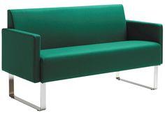 """Conçue pour compléter le casier Monolite, la table Monolite se marie tout aussi bien à d'autres types de canapés et de fauteuils. L'idée est d'utiliser la table comme un plan de travail que l'on peut déplacer à sa guise pour s'y installer et travailler. Tirez la table vers un fauteuil ou un canapé en toute simplicité grâce aux pieds directement fixés au plateau. """"kinnarps #materia #monolite"""
