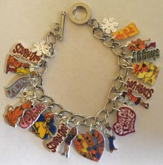 SCOOBY DOO BRACELET VELMA FRED SHAGGY DAPHNE CHARMS FLOWERS HEART CARTOON