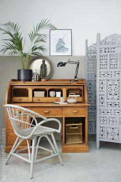 Grey room divider