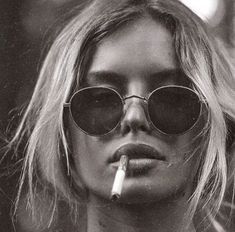 """""""There was a messy sort of undone beauty about her. I tell you, she was dazzling. She wasn't sculpted to perfection. Black And White Aesthetic, Black N White, Cigarette Aesthetic, Cat Eye Colors, Plakat Design, Estilo Rock, Photo D Art, Women Smoking, Girl Smoking"""