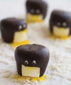 penguin marshmallow pops
