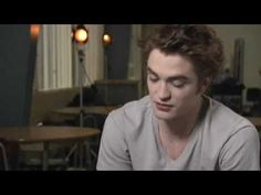ON NEW MOON SET INTERVIEW 2009 Robert Pattinson Talks About Edward in New Moon