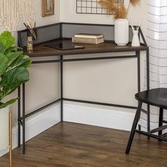 Desks For Small Spaces, Small Space Living, Furniture For Small Spaces, Small Corner Desk, Desks For Home, Modern Corner Desk, Study Corner, Small Space Bedroom, Corner Space