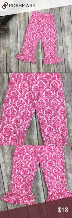 MissUnderstood Boutique Pants Boutique Pink and White ruffle bottom pants. Size 4T. New with tags. Elastic waist. 16 inch waist without stretching. 14 inch inseam. 100% cotton material. Be beautiful while still being comfortable! MissUnderstood Bottoms Leggings