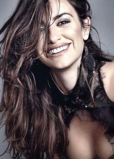 Penelope Cruz....Cute!!...