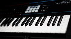 Roland Juno-DS61 61-key Synthesizer Roland's JUNO synths are known everywhere…