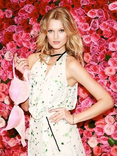 Toni Garrn - Victoria's Secret in Soho Toni Garrn, Victoria Secret Angels, Cute, Victoria Ssecret, People, Color, Image, Beautiful, Beauty