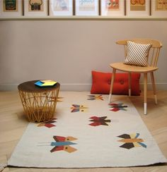Alfombras Kilim http://www.mamidecora.com/alfombras-kilim-art%20for%20kids.html