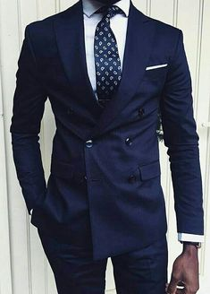 Photo by Menswear Market Jackets are a must-have in the cold weather but it can also be used to accessorize an outfit. Mens Fashion Blog, Mens Fashion Suits, Mens Suits, Fashion Guide, Fashion Trends, Mode Costume, Herren Outfit, Suit And Tie, Well Dressed Men
