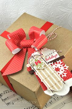 Gift Box with Paper Bow and Happy Holidays Gift Tag by Dawn McVey for Papertrey Ink (September 2013)