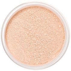 Finition légèrement pêche-rosée. La touche finale pour un teint rayonnant! La Poudre de Finition Minérale Flawless Silk Lily Lolo à la texture douce et soyeuse fixe le maquillage minéral tout au long de la journée. Formulée avec des pigments naturels, la Poudre de Finition Flawless Silk forme un léger voile pêche rosé qui estompe les ridules et imperfections. 15€ #poudre #finition #mineral #maquillage #teint #lilylolo #naturel #eclat www.officina-paris.fr