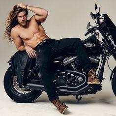Sexy Biker Men, Brock Ohurn, Poses For Men, Shirtless Men, Man Photo, Good Looking Men, Muscle Men, Bearded Men, Belle Photo