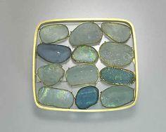 Etsuko Sonobe. Brooch #1. Roman glass, 20k gold.    mobilia-gallery.com