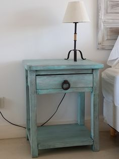 Colorful Furniture, Cool Furniture, Painted Furniture, Diy Wooden Projects, Wooden Diy, Deco Paint, Boys Room Design, Diy Nightstand, Small Space Living