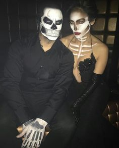 Hallowen Costume Couples Pin for Later: Celebrity Couples Halloween Costumes Jennifer Lopez and Casper Smart as Skeletons Hallowen Costume, Cool Halloween Costumes, Halloween 2017, Halloween Outfits, Halloween Couples, Happy Halloween, Diy Halloween, Costume Ideas, Terrifying Halloween