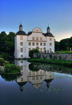 Essen - North Rhine Westfalia, Germany -  Schloss Borbeck 02 by Daniel Mennerich on Flickr.