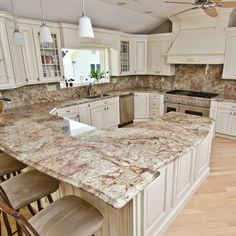 Supreme Kitchen Remodeling Choosing Your New Kitchen Countertops Ideas. Mind Blowing Kitchen Remodeling Choosing Your New Kitchen Countertops Ideas. Replacing Kitchen Countertops, White Kitchen Cabinets, Granite Kitchen, Home Kitchens, Refacing Kitchen Cabinets, Traditional Kitchen, Kitchen Style, Kitchen Renovation, Kitchen Design