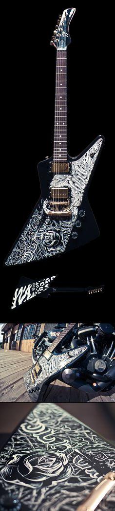 Une nouvelle guitare custom par DUNE and PEZ du AmkaShop à partir d'une replique gibson explorer par Custom 77. Retrouvez des cours de guitare d'un nouveau genre sur MyMusicTeacher.fr.
