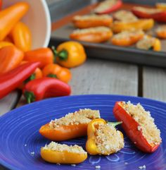 These stuffed mini sweet peppers have a perfect touch of the southwest. Spicy, creamy, crunchy and so tasty! Appetizers For Party, Appetizer Recipes, Snack Recipes, Healthy Recipes, Party Snacks, Delicious Recipes, Mini Sweet Peppers, Stuffed Mini Peppers, Ww Recipes
