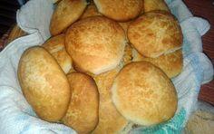Le pastarelle rappresentano uno dei classici dolci della tradizione molisana: dei morbidi biscotti rotondi perfetti da inzuppare nel latte.