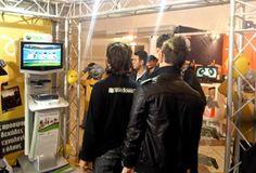 Παρουσιάσαμε το Kinect, στην έκθεση Φοίτηση 2010 και παίξαμε χωρίς τηλεχειριστήριο! News Articles, Physics, Spaces, Digital