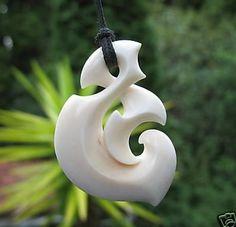 by Silivenusi Funaki Pendant Jewelry, Jewelry Art, Polynesian Art, Bone Crafts, New Zealand Art, Bone Carving, Wooden Jewelry, Accent Decor, Hand Carved