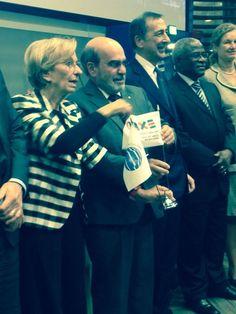 Emma Bonino con Giovanni Sala a conclusione del convegno per la firma dell'accordo con tra #expo2015 e la #Fao