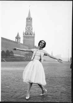 1959 - Yves Saint Laurent for Dior Dior's model in Moscow