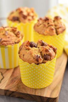 Csokoládés-banános muffin - Kifőztük, online gasztromagazin Cake Cookies, Cupcakes, Muffins, Hungarian Recipes, Winter Food, Fudge, Cereal, Food And Drink, Sweets