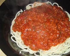 Sauce à spaghetti 1 (Da Giovanni) Cooking Spaghetti, Spaghetti Recipes, Spaghetti Sauce, Pork Recipes, Pasta Recipes, Cooking Recipes, Vegan Corn Chowder, Great Recipes, Favorite Recipes