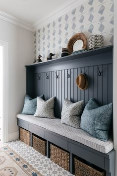 Amidst the holiday craziness, we can always find some peace in a neat and tidy home. even if it's just a small corner 😉… Mudroom Laundry Room, Mudroom Cabinets, Laundry Room Design, Muebles Living, Neat And Tidy, Entryway Decor, Cottage Entryway, Cottage Living Rooms, Hallway Decorating