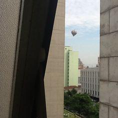 Agora, balão muito louco sobre a Favela do Moinho em SP - @macfa40- #webstagram