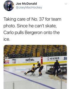 what a wholesome bromance Caps Hockey, Hockey Memes, Hockey Shirts, Hockey Players, Ice Hockey, Funny Hockey, Hockey Baby, Patrice Bergeron, Hockey Boards