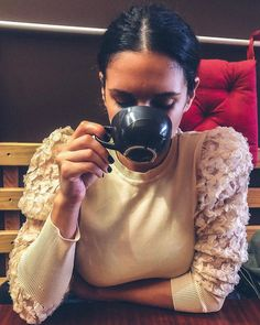 """Andreia Prazeres on Instagram: """"Relax!  Nothing is under control!  #sunday #premondaymood #capuccino #brunch #weekend"""" Brunch, Relax, Sunday, Instagram, Keep Calm, Brunch Party"""