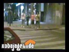 Smešni Video Klipovi -- Zaspao na raskrsnici kobajagrande.com - http://filmovi.ritmovi.com/smesni-video-klipovi-zaspao-na-raskrsnici-kobajagrande-com/