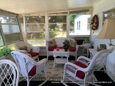 Look at this comfortable inviting Florida room on a mobile home. Our friends Linda and Jerry shared their pic with us.   We love the many ways that mobile home owners can have a nice porch on their homes. Seen on Front Porch Ideas and More