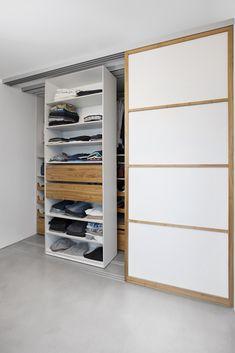Kleiderschrank | Begehbarer Kleiderschrank | Schlafzimmerschrank |  Bewegliche Elemente | Stauraum | Deckenhoch | Asiatisch |