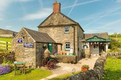 The Edward & Vintage sweet shop, Tissington is the most fantastic sweet shop I have ever been in, if you visit Tissington then you need to give it a visit, isn't it great!