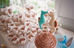 Seahorse topers, and knit no less! Seahorse Cake, Seahorses, Beach Wedding Reception, Beach Weddings, Wedding Theme Inspiration, Wedding Ideas, Hand Knitting, Cake Toppers, Wedding Cakes