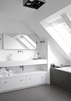 Unbelievable Attic design garage,Attic conversion design and Attic storage knee walls. Small Attic Bathroom, Loft Bathroom, Bathroom Toilets, Bathroom Shelves, Master Bathroom, Washroom, White Bathroom, Modern Bathroom, Attic Apartment