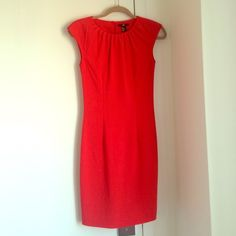 H&M red dress H&M fitted red sheath dress with slight cap sleeve. Great dress for office to drinks. Listed as size 4 but fits as size 0. Very well fitted for a petite body. Quality as new' H&M Dresses Mini