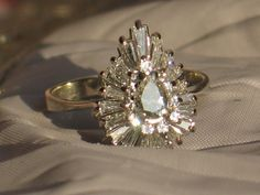 Gorgeous Diamond Engagement Ring in 14k White Gold. Pear Shape.